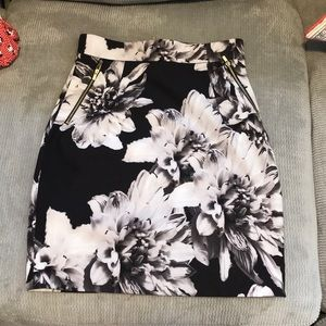 H&M Black and Grey Flowery Skirt